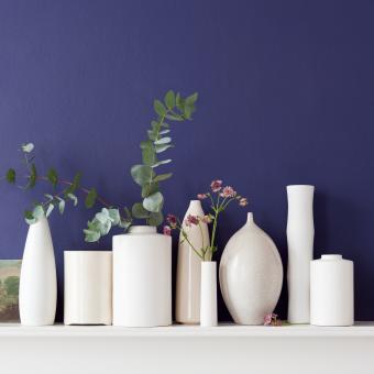 årets färg 2013 rich blue vita vaser