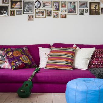 lila soffa blå marockansk skinnpuff