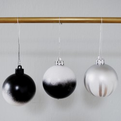 julgranskula svartvitt